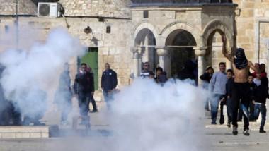 مواجهات في «الأقصى» بين فلسطينيين والشرطة الإسرائيلية