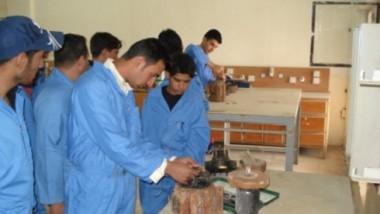 العمل تنظم دورات تدريبية لمكافحة الفقر والبطالة