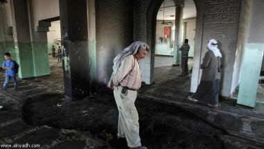 مستوطنون يحرقون مسجداً بالضفة الغربية