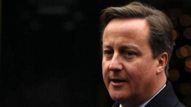 كاميرون يناشد ميركل بشأن الهجرة قبل استفتاء بريطانيا