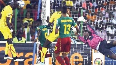 تعادل مثير بين الكاميرون ومالي في نهائيات كأس أفريقيا