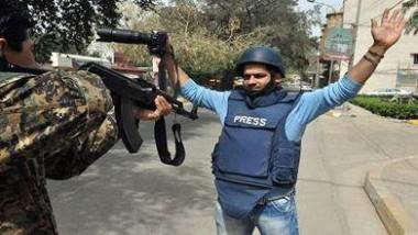 حقوق الصحفيين بين «قانونهم» وبطش ذوي السلطان