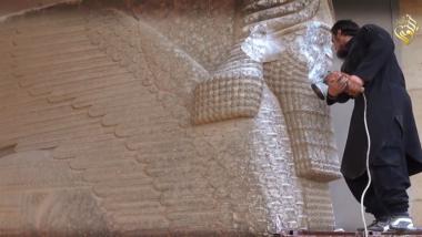 """مجلس الأمن يدين """"الأعمال البربرية"""" بتدمير آثار عراقية"""