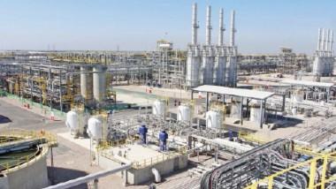 وزير النفط: توترات المنطقة تؤثر على انتاج وتصدير الخام