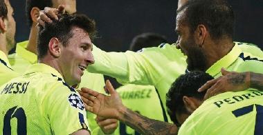 برشلونة يتخطى غرناطة وإنريكي يشكو أرضية الملعب