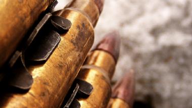 المسدسات لا تقتـل الناس