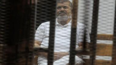 بدء «محاكمة» مرسي و 10 آخرين بقضية التخابر مع قطر