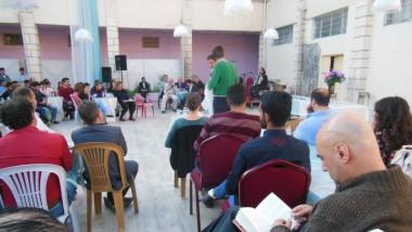 عروض مسرحية سويسرية  في مخيمات النازحين بدهوك
