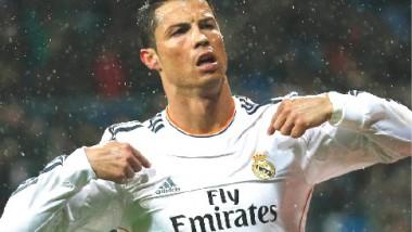 رونالدو ينفجر بهاتريك ويقود ريال مدريد لعبور فخ إشبيلية