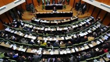 نائب كردي: الحكومة المركزية تفرض حصاراً اقتصادياً على الإقليم