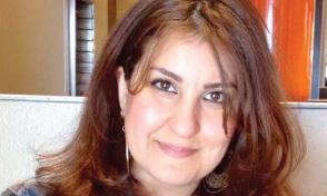 التشكيلية رشا عكاب: أنا جسدٌ في غربتي وروحٌ في بلادي