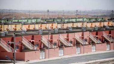 توزيع الوجبة الأولى من البيوت «واطئة الكلفة» بين المتضرّرين في ديالى