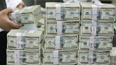 المالية النيابية: «المركزي» باع كمّية من الدولار ما يفوق واردات البلاد