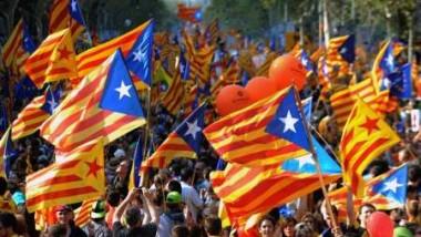 نصف مليون مواطن من كتالونيا  يطالبون بالانفصال عن إسبانيا