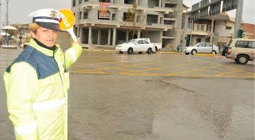 """""""شرطيات المرور"""".. مهنة تتراجع في كردستان"""