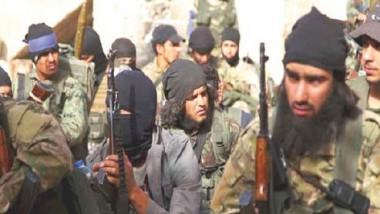 المئات من عائلات مسلّحي «داعش» تغادر جنوبي دمشق