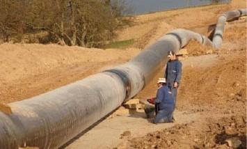إقليم كردستان يسعى لمدّ أنبوب للنفط والغاز عبر إيران