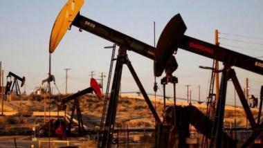 مكاسب الأسعار رهن تخمة النفط العالمية في 2016