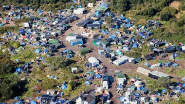 سجن مهاجرين بفرنسا عشيّة  إخلاء مخيّم كاليه