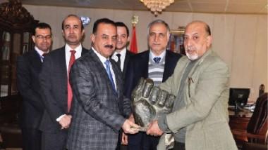 """""""قبضة صدام"""" تعود إلى العراق بجهود وزارة الخارجية"""