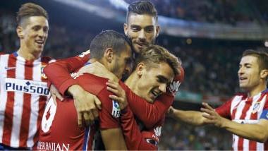 ليستر يتعثر في البريمييرليج.. وأتلتيكو مدريد يقلّص الفارق مع برشلونة في الليجا