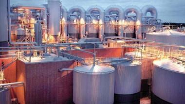 تباطؤ السوق العالمي يرهق قطاع البتروكيماويات