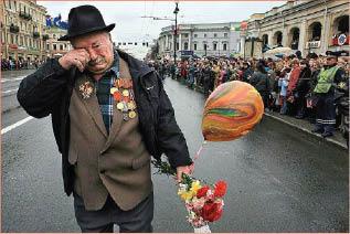 آخر جندي شارك في الحرب العالمية  الثانية يجتاح مواقع التواصل