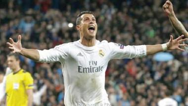 كريستيانو رونالدو يوقّع عقداً ضخماً بعد التجديد لريال مدريد
