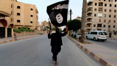 التحالف الدولي يلقي للمرة الاولى مناشير تطلب من سكان الرقة السورية مغادرتها