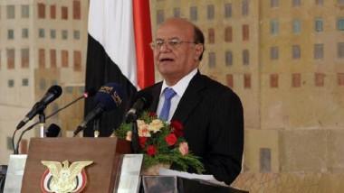 مقتل 40 مجنداً بتفجير انتحاري في مدينة المكلا  والحوثيون يدعون الوفد الحكومي للعودة إلى الحوار