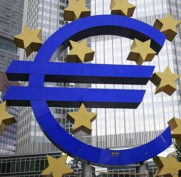 اليورو يرتفع والين ينخفض
