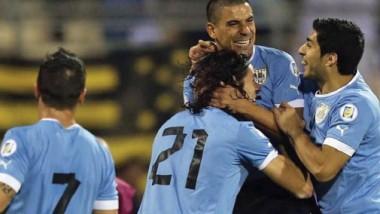 الأوروغواي الأقوى في المجموعة الثالثة مع أو بدون سواريز
