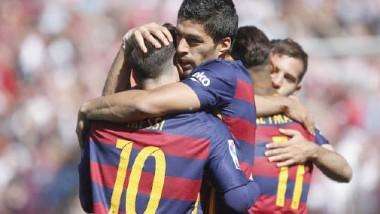 برشلونة يتوج بطلاً لـ «الليجا».. وسواريز يظفر بلقب الهداف