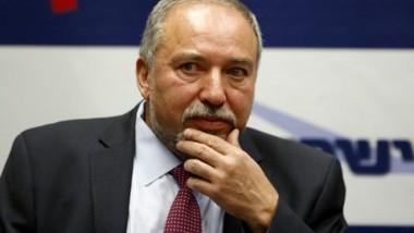 نتنياهو يشكل ائتلافا ويعين  ليبرمان اليميني وزيراً للدفاع