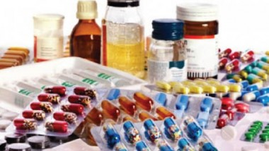 الصحة تنفي وجود نقص في الأدوية والمستلزمات الطبية