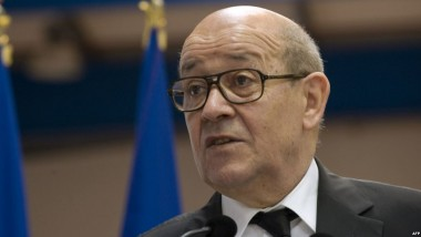 """وزير الخارجية الفرنسي يشيّد بـ """"شجاعة وعزم"""" القوّات العراقية في مواجهة """"داعش"""""""