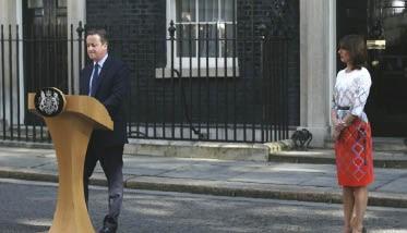 كاميرون يعلن استقالته و يطمئن الأوروبيين  بأن لا تعديل في قوانين الإقامة والتنقل