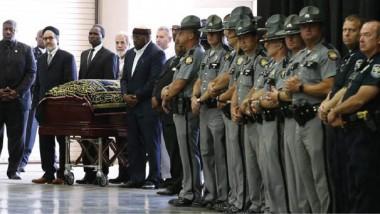 مشاهدة محمد علي كلاي في القبر بمليون دولار
