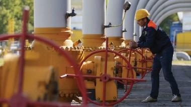 موسكو تؤكّد التزامها بإمدادات الغاز إلى تركيا
