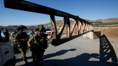 اسرائيل تعيد فتح مدخل مخيم الفوار للاجئين الفلسطينيين