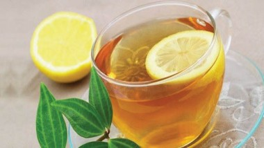 «الشاي بالليمون».. يقاوم الشيخوخة ويساعد على الاسترخاء