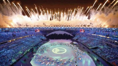 طقوس راسخة.. واليابان تتسلّم العلم الأولمبي