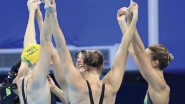 أستراليا تحطم الرقم القياسي في السباحة وهاغينو يحرز الذهبية