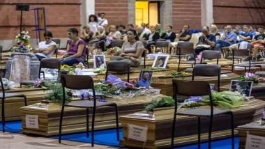 يوم حداد وطني وتشييع لعدد من ضحايا الزلزال في ايطاليا