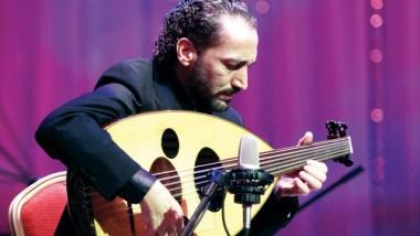 الموسيقار نصير شمة طلب الماجستير فحصد الدكتوراه