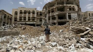 مقتل تسعة من عائلة واحدة في غارة للتحالف العربي في اليمن