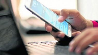 الهواتف تحكم سيطرتها على الإنترنت