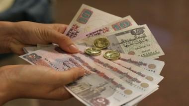 تدهور الجنيه المصري وسط غموض بشأن إصلاحات «صعبة»