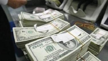 تهريب ملايين الدولارات إلى الخارج جراء «تعاملات وهمية»