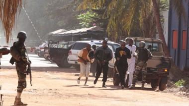 مهاجمون يقتلون 12 شخصا بفندق كيني قرب الحدود الصومالية